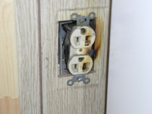 Electrical Arcing in Wall Receptacle found by Barrie Home Inspections