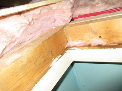 No Seal on Attic Hatch found by Barrie Home Inspections