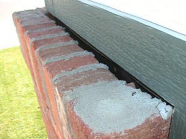 No Flashing at Window Frame found by Barrie Home Inspections